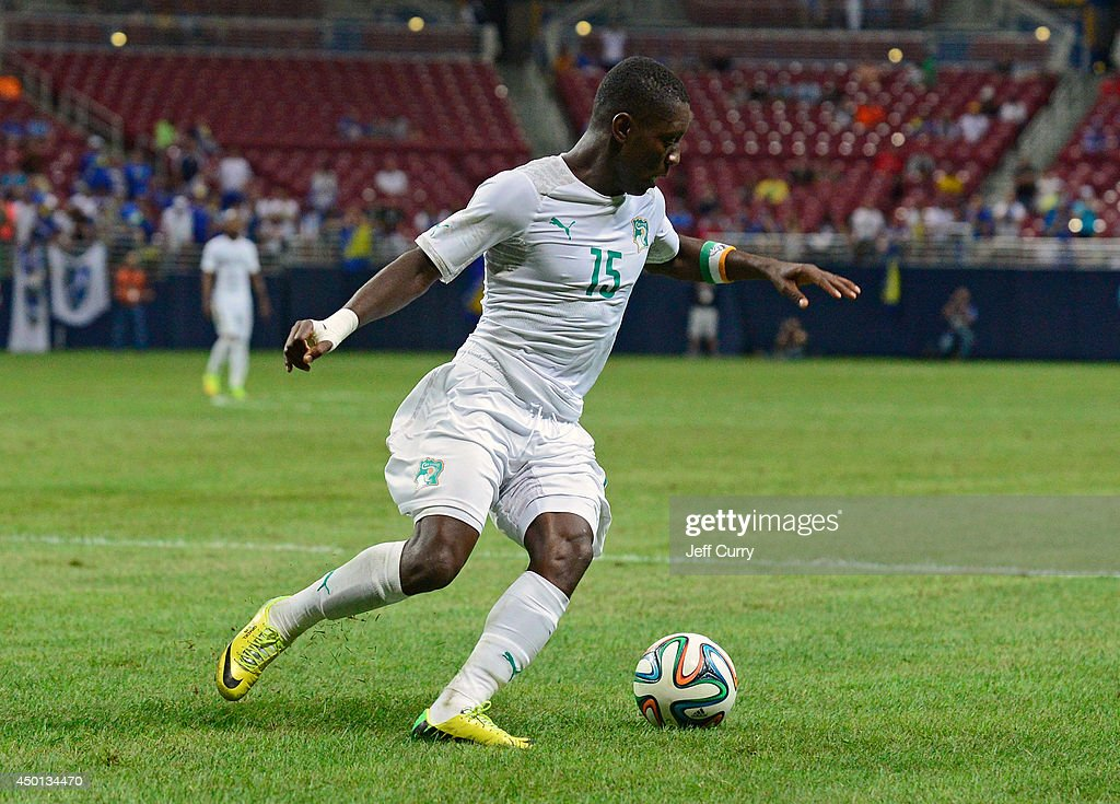 <a gi-track='captionPersonalityLinkClicked' href=/galleries/search?phrase=Max+Gradel&family=editorial&specificpeople=5488968 ng-click='$event.stopPropagation()'>Max Gradel</a> #15 of the Ivory Coast handles the ball against Bosnia-Herzegovina during the first half of a friendly match at Edward Jones Dome on May 30, 2014 in St. Louis, Missouri. Bosnia-Herzegovina defeated the Ivory Coast 2-1.