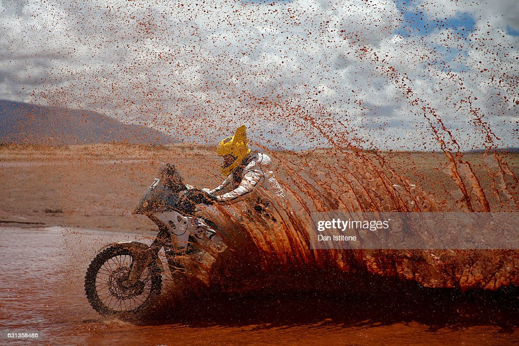 Max Hunt of Great Britain and HT Husqvarna Rally Raid rides a FR 450 Rally Husqvarna bike in the Classe 2.1 : Super Production during stage seven of the 2017 Dakar Rally between La Paz and Uyuni on January 9, 2017 at an unspecified location in Bolivia.