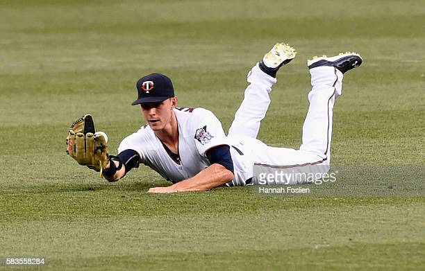 Max Kepler of the Minnesota Twins makes a catch in right field of the ball hit by AJ Pierzynski of the Atlanta Braves during the fifth inning of the...