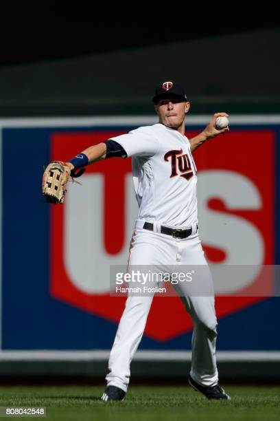 Max Kepler of the Minnesota Twins makes a play in right field against the Chicago White Sox during the game on June 22 2017 at Target Field in...