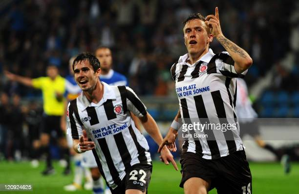 Max Kruse of Pauli celebrates after scoring his teams second goal during the Second Bundesliga match between VfL Bochum and FC St Pauli at Rewirpower...