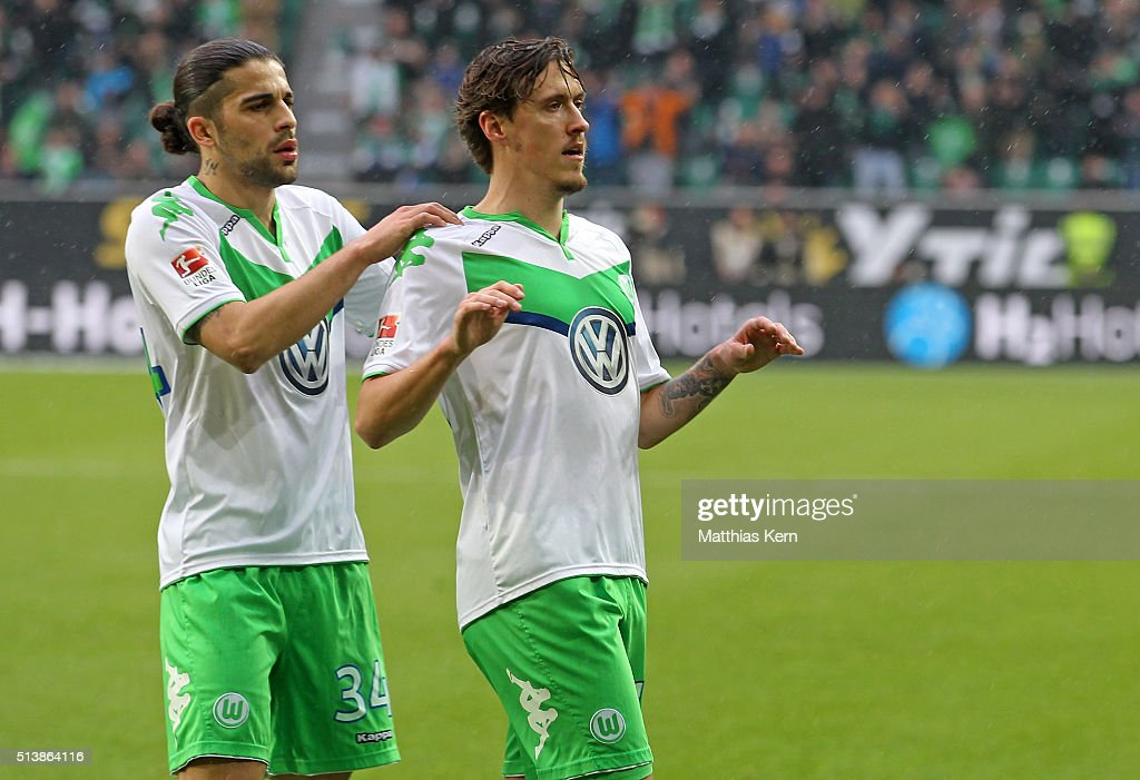 <a gi-track='captionPersonalityLinkClicked' href=/galleries/search?phrase=Max+Kruse&family=editorial&specificpeople=3945507 ng-click='$event.stopPropagation()'>Max Kruse</a> (R) of Wolfsburg jubilates with team mate <a gi-track='captionPersonalityLinkClicked' href=/galleries/search?phrase=Ricardo+Rodriguez+-+Soccer+Player&family=editorial&specificpeople=8768006 ng-click='$event.stopPropagation()'>Ricardo Rodriguez</a> (L) after scoring the second goal during the Bundesliga match between VFL Wolfsburg and Borussia Moenchengladbach at Volkswagen Arena on March 5, 2016 in Wolfsburg, Germany.