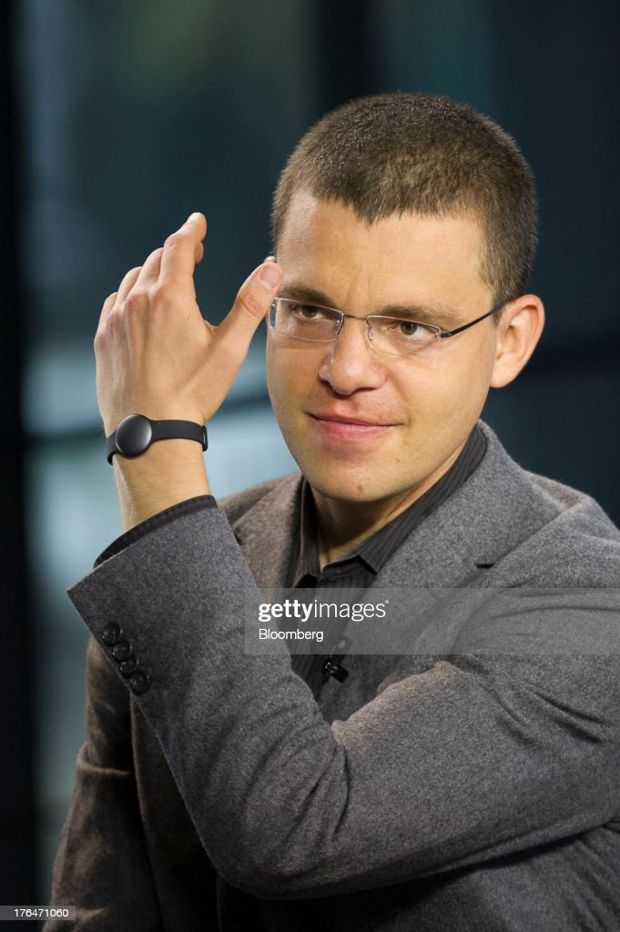 Max Levchin, chairman of Kaggle Inc., displays a Misfit Wearables wrist band while speaking during a Bloomberg West Television interview in San Francisco, California, U.S. on Tuesday, Aug. 13, 2013. Kaggle Inc. offers a platform for predictive modeling competitions where companies, governments, and researchers can present datasets and problems, as well as compete to produce the best solutions. Photographer: David Paul Morris