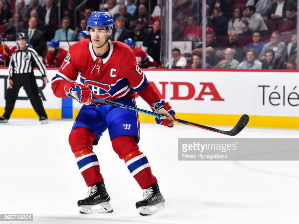 Max Pacioretty of the Montreal Canadiens skates against the Chicago Blackhawks during the NHL game at the Bell Centre on October 10 2017 in Montreal...