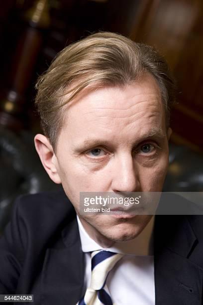 Matthias Otto Musiker Saenger Conferencier D Portraet