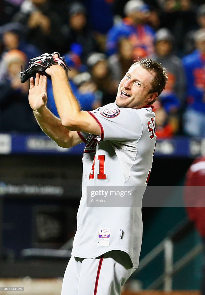 Max Scherzer #31 of the Washington Nationals celebrates his no hitter against the New York Mets after their game at Citi Field on October 3, 2015 in New York City.