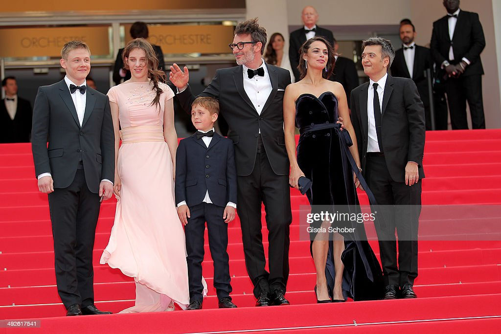Maxim Emelianov Zukhra Duishvili Berenice Bejo Abdul Khlim Mamamtsuiev Michel Hazanavicius and Thomas Langmann attend 'The Search' premiere during...