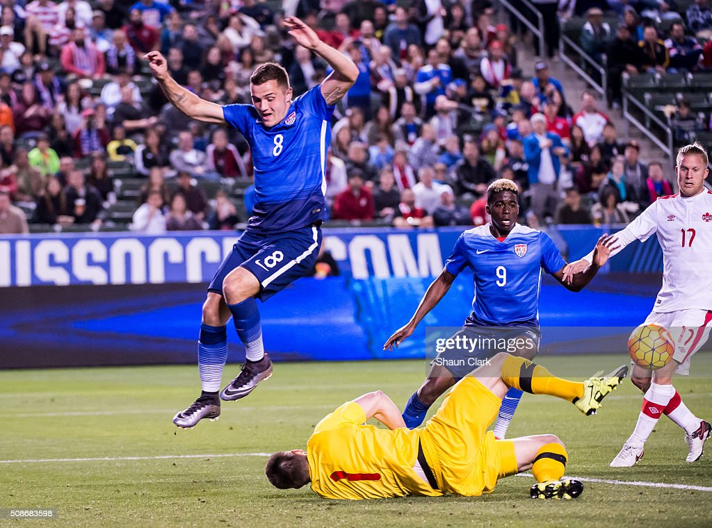 Maxime Crépeau #1 of Canada makes a save during the International Soccer Friendly match between the United States and Canada at the StubHub Center on February 5, 2016 in Carson, California. The United States won the match 1-0