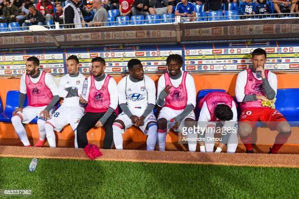 Maxime Gonalons and Mathieu Valbuena and Jordan Ferri and Maxel Cornet and Mapou Yanga Mbiwa and Rafael and Mathieu Gorgelin of Lyon during the Ligue...
