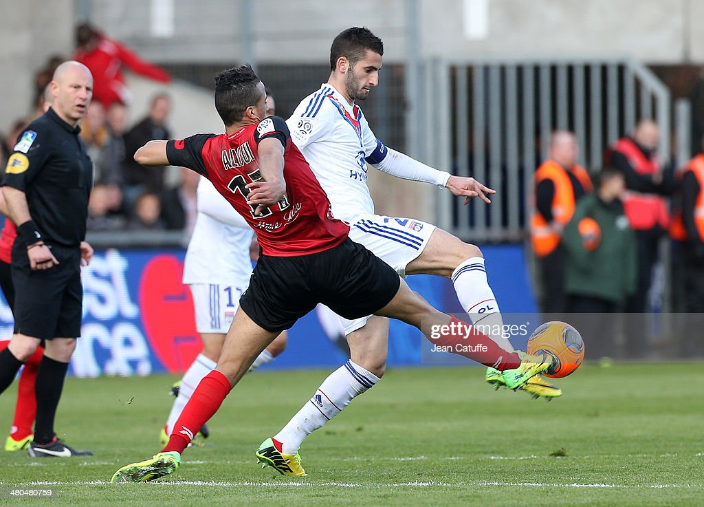 EA Guingamp v Olympique Lyonnais - Ligue 1