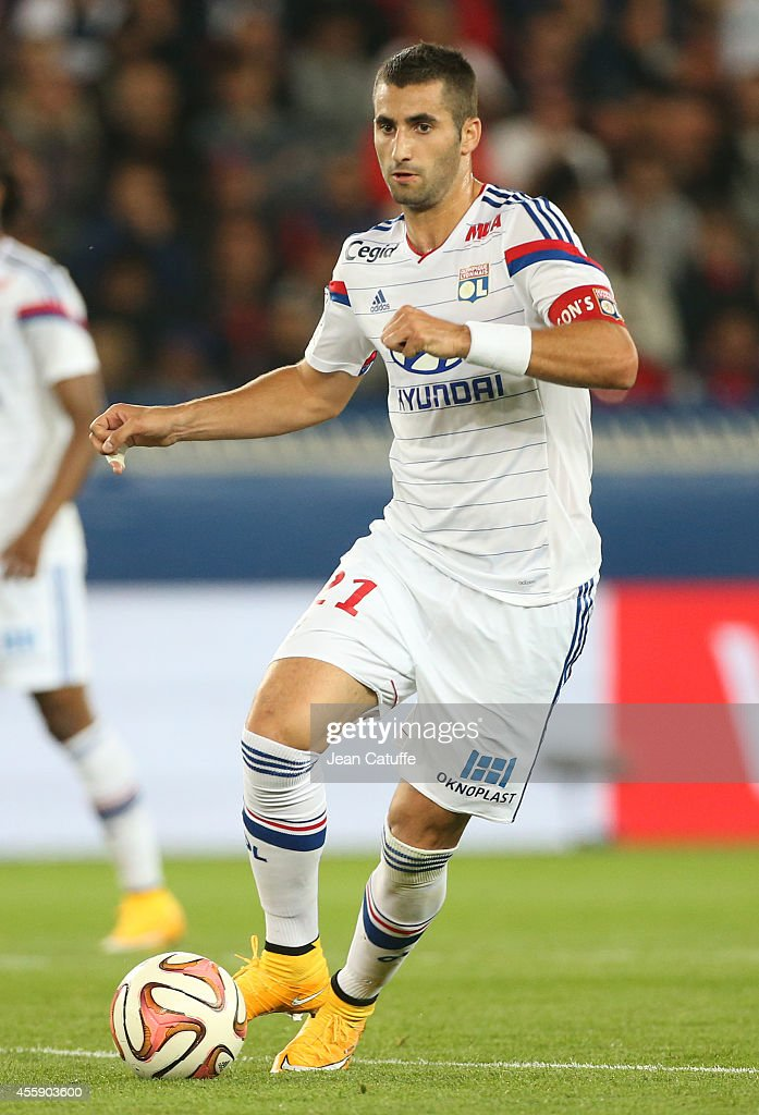 <a gi-track='captionPersonalityLinkClicked' href=/galleries/search?phrase=Maxime+Gonalons&family=editorial&specificpeople=6256905 ng-click='$event.stopPropagation()'>Maxime Gonalons</a> of Lyon in action during the French Ligue 1 match between Paris Saint-Germain FC and Olympique Lyonnais OL at Parc des Princes stadium on September 21, 2014 in Paris, France.