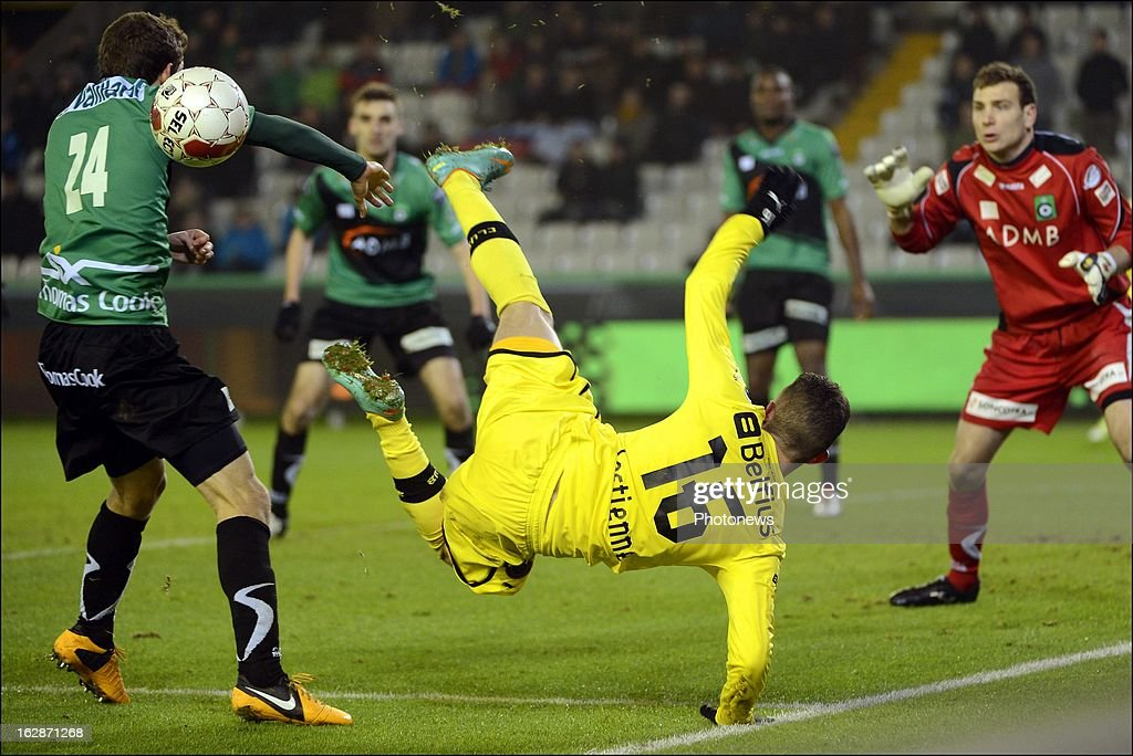 Maxime Lestienne of Club Brugge KV competes for the ball during the Jupiler League match between Cercle Brugge and Club Brugge on February 28, 2013 in Brugge, Belgium.