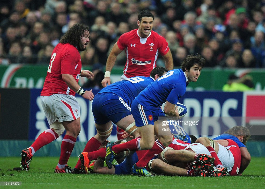 Maxime Machenaud of France passes during the RBS Six Nations match between France and Wales at Stade de France on February 9, 2013 in Paris, France.