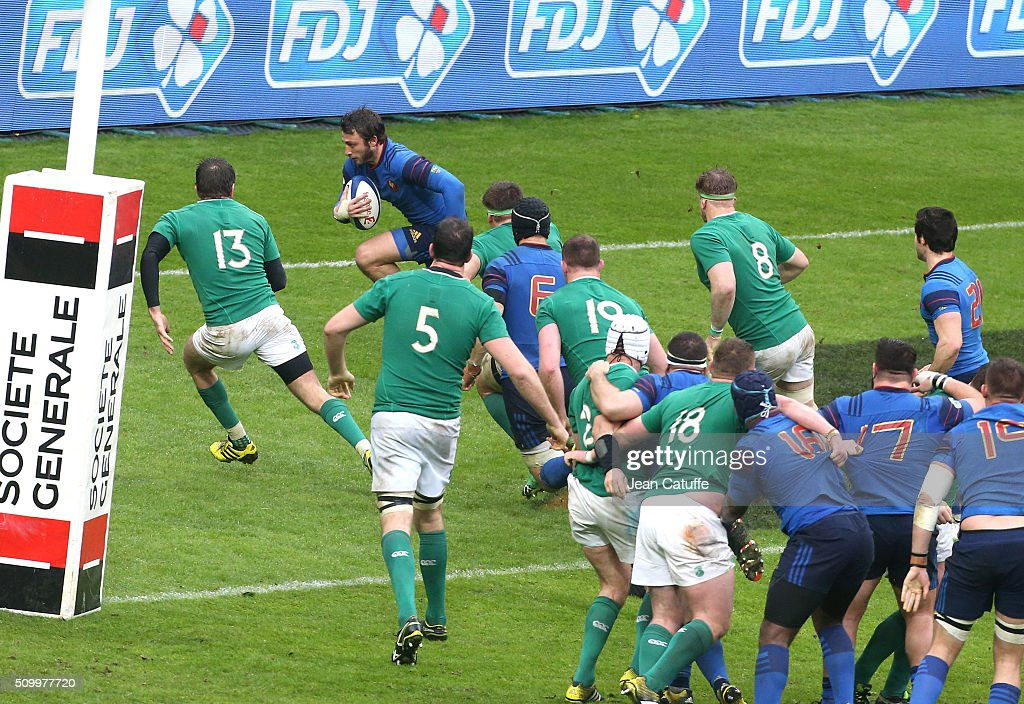 <a gi-track='captionPersonalityLinkClicked' href=/galleries/search?phrase=Maxime+Medard&family=editorial&specificpeople=832902 ng-click='$event.stopPropagation()'>Maxime Medard</a> of France scores the winning try during the RBS 6 Nations match between France and Ireland at Stade de France on February 13, 2016 in Saint-Denis nearby Paris, France.