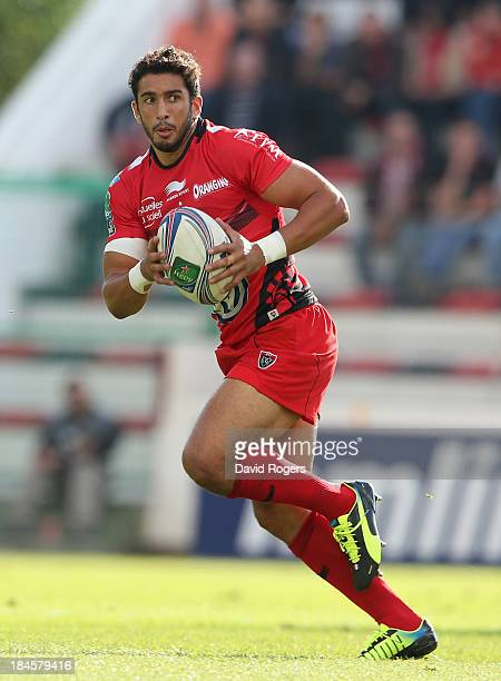 Maxime Mermoz of Toulon runs with the ball during the Heineken Cup Pool 2 match between Toulon and Glasgow Warriors at the Felix Mayol Stadium on...