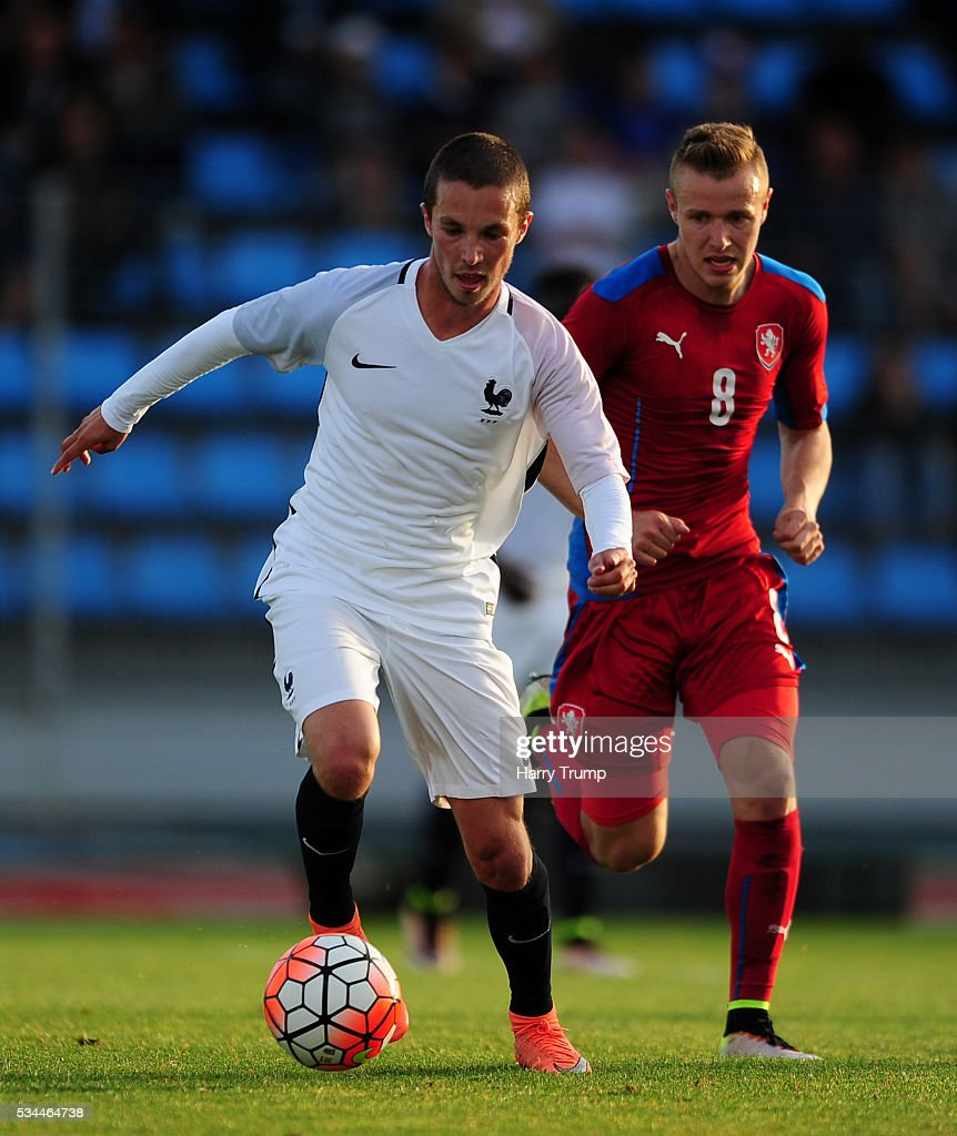 Maximi D'Arpino of France looks to break past Ondrej Machuca of Czech Republic during the Toulon Tournament match between France and Czech Republic at the Stade Leo Lagrange on May 26, 2016 in Toulon, France.
