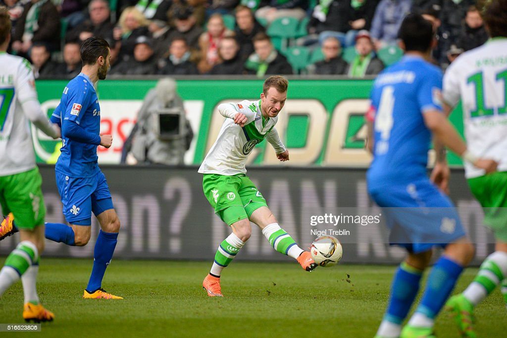 Maximilian Arnold of Wolfsburg plays the ball during the Bundesliga match between VfL Wolfsburg and Hertha BSC Berlin at Volkswagen Arena on March 19, 2016 in Wolfsburg, Germany.