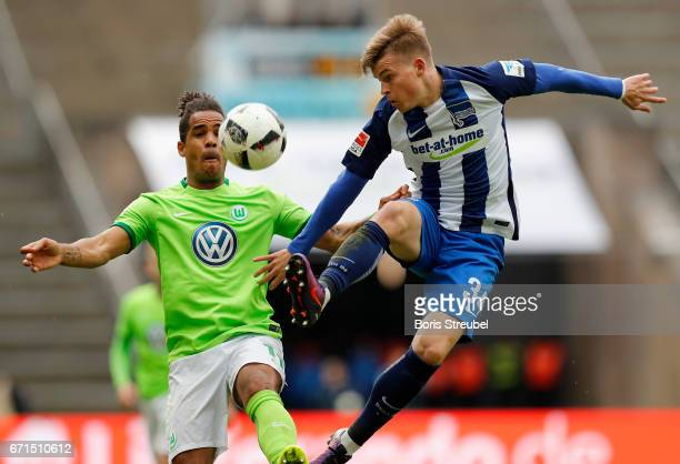 Maximilian Mittelstaedt of Hertha BSC is challenged by Daniel Didavi of VfL Wolfsburg during the Bundesliga match between Hertha BSC and VfL...
