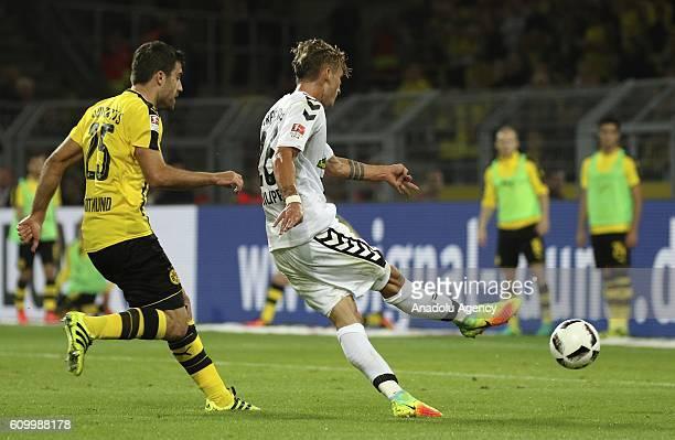 Maximilian Philipp of SC Freiburg scores a goal during the Bundesliga soccer match between Borussia Dortmund and SC Freiburg at the SignalIduna...