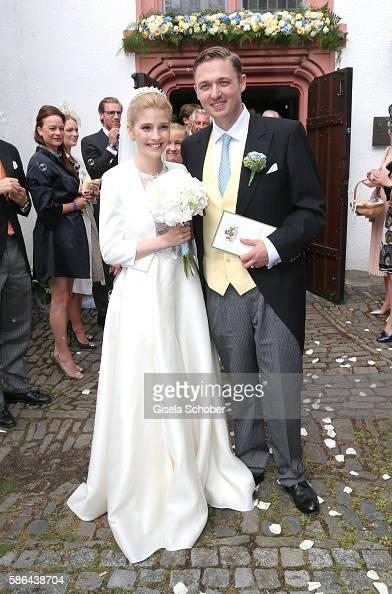 maximilian-prinz-zu-sayn-wittgensteinberleburg-and-his-wife-franziska-picture-id586438704