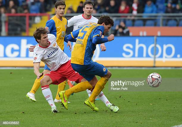 Maximilian Thiel of 1 FC Union Berlin and Benjamin Kessel of Eintracht Braunschweig duel during the game between Eintracht Braunschweig and Union...