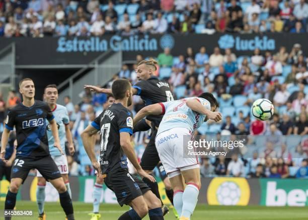 Maximiliano Gomez Gonzalez of Celta de Vigo scores a goal during the La Liga match between RC Celta de Vigo and Deportivo Alaves at Balaidos Stadium...