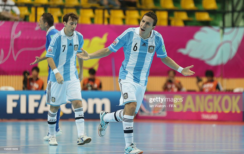 Maximiliano Rescia of Argentina celebrates scoring the first goal during the FIFA Futsal World Cup Thailand 2012, Group D match between Argentina and Italy at Nimibutr Stadium on November 5, 2012 in Bangkok, Thailand.