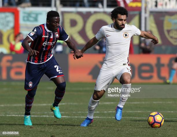 Maxwell Acosty of Crotone competes for the ball with Mohamed Salah of Roma during the Serie A match between FC Crotone and AS Roma at Stadio Comunale...