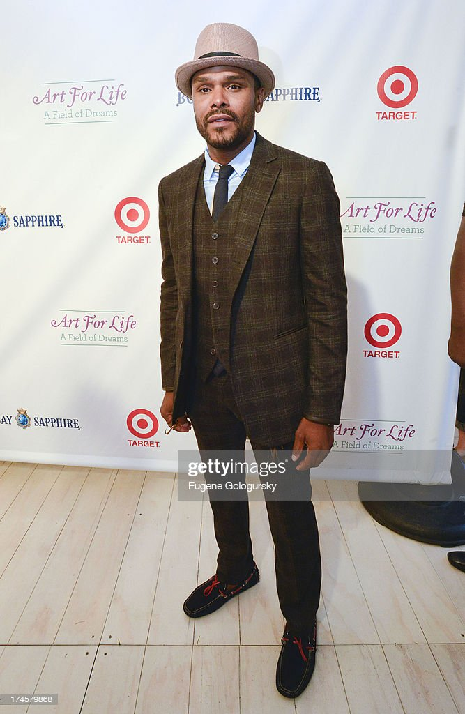 Maxwell attends the Russell Simmons 14th Annual Art For Life Benefit Sponsored By BOMBAY SAPPHIRE Gin at Fairview Farms on July 27, 2013 in Bridgehampton, New York.