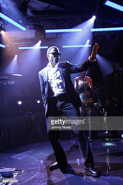 Maxwell performs at the PC Richard Son Theater on July 8 2009 in New York City