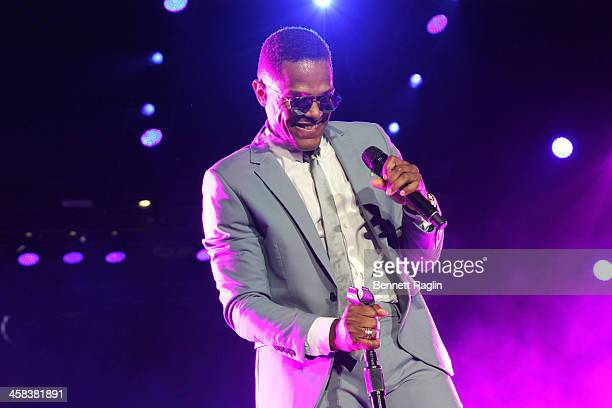 Maxwell performs on stage during the 2016 ESSENCE Festival presented by Coca Cola at the Louisiana Superdome on July 1 2016 in New Orleans Louisiana