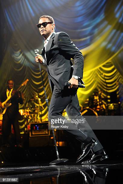 Maxwell performs onstage at Madison Square Garden on September 28 2009 in New York City