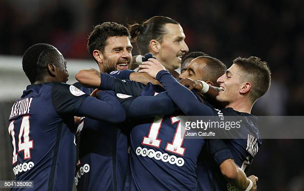 Maxwell Scherrer of PSG celebrates his goal with teammates Blaise Matuidi Thiago Motta Zlatan Ibrahimovic Lucas Moura Marco Verratti during the...