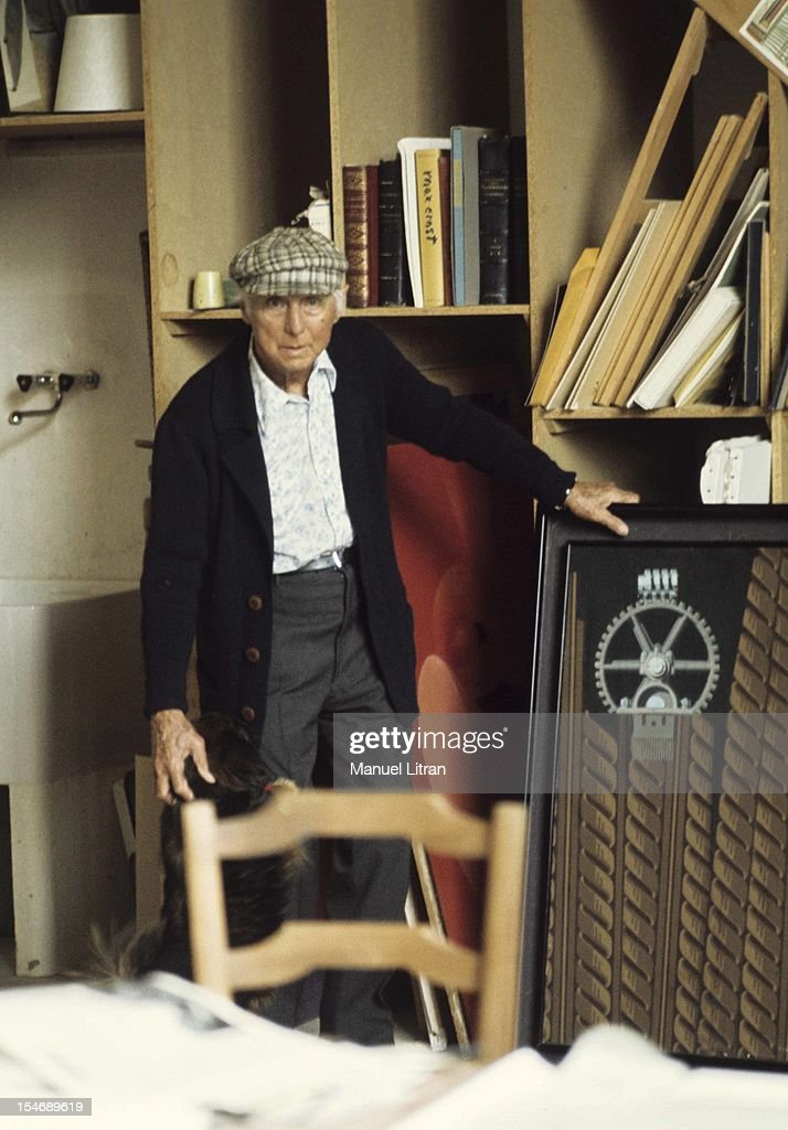 May 1975, the painter <a gi-track='captionPersonalityLinkClicked' href=/galleries/search?phrase=Max+Ernst&family=editorial&specificpeople=932116 ng-click='$event.stopPropagation()'>Max Ernst</a> in his house in quite area, in the Var, on the occasion of a retrospective devoted to him at the Grand Palais. <a gi-track='captionPersonalityLinkClicked' href=/galleries/search?phrase=Max+Ernst&family=editorial&specificpeople=932116 ng-click='$event.stopPropagation()'>Max Ernst</a> in his studio in front of a table, 'Sun dada, dada drill', a work he never wanted to sell.
