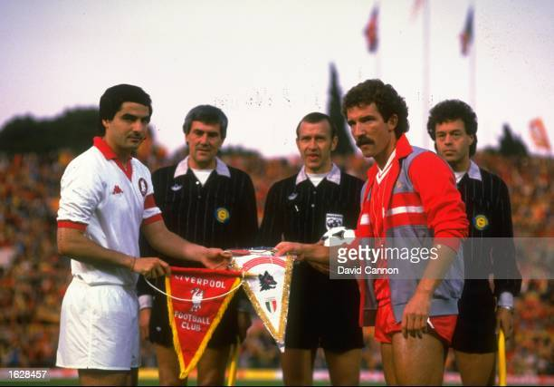 Di Bartolomei Captain of AS Roma and Graham Souness Captain of Liverpool exchange Club Pennants before the start of the European Cup Final at the...