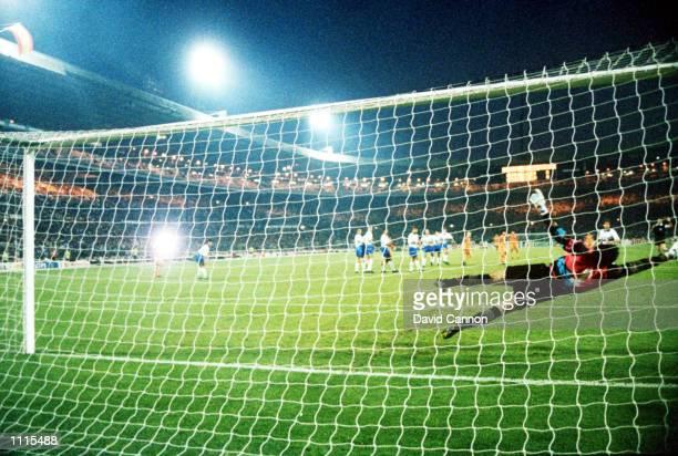 Ronald Koeman scores for Barcelona during the European Cup Final between Barcelona v Sampdoria Barcelona won 10 Mandatory Credit David Cannon/Getty...