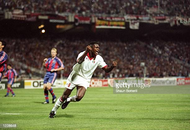 Marcel Desailly of AC Milan celebrates after scoring during the European Cup final against Barcelona at the Olympic Stadium in Athens Greece AC Milan...