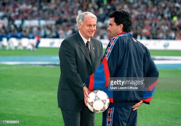 14 May 1997 UEFA European Cup Winners Cup Final Barcelona v Paris Saint Germain Barcelona coach Bobby Robson with his assistant coach and translator...