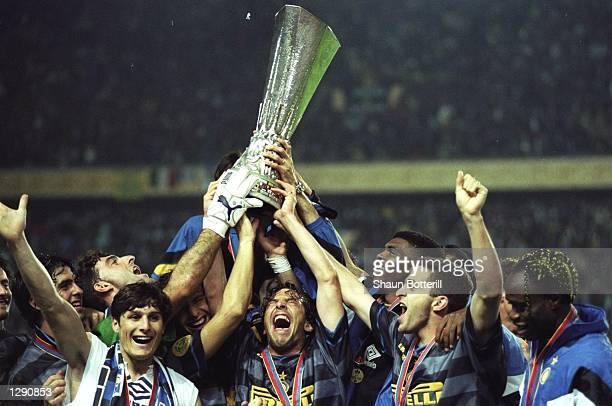 The Inter Milan team celebrate after the UEFA Cup final against Lazio at Parc des Princes in Paris Inter Milan won the match 30 Mandatory Credit...
