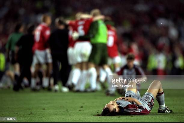 A distraught Jens Jeremies of Bayern Munich after Manchester United win the European Champions League Final in the Nou Camp Stadium Barcelona Spain...