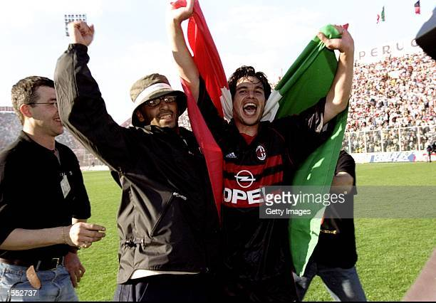 Demetrio Albertini of AC Milan celebrates victory after the Serie A match against Perugia at the Stadio Renato Curi in Perugia Italy The match...
