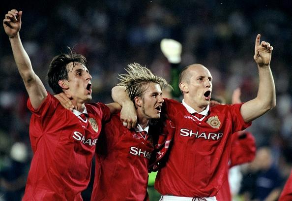 Gary Neville, David beckham and Jaap Stam : News Photo
