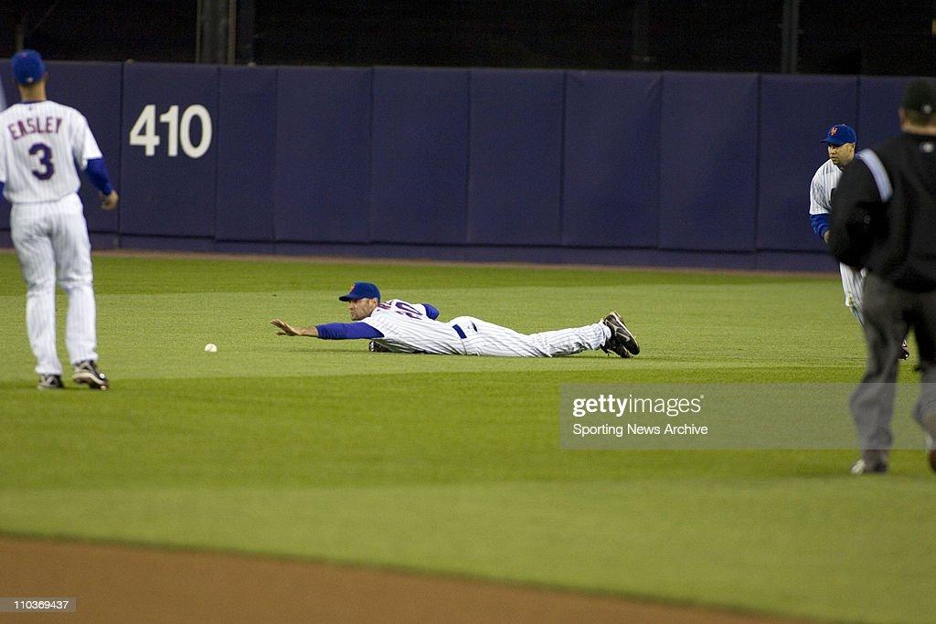 May 20 2007 New York NY USA SHAWN GREEN CARLOS BELTRAN during the New York Yankees against New York Mets at Shea Stadium in New York The Yankees won...