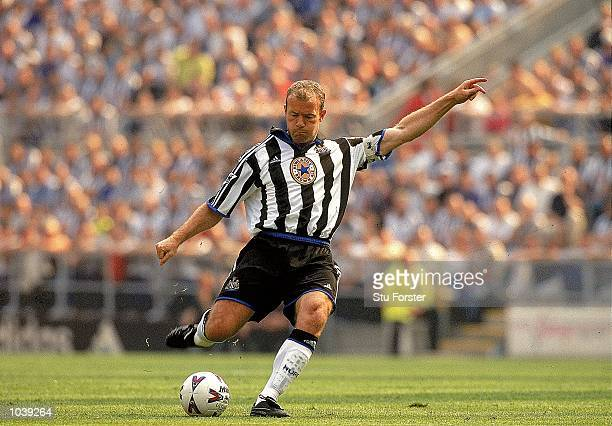Alan Shearer of Newcastle United takes a freekick during the FA Carling Premiership match against Arsenal at St James Park In Newcastle England...