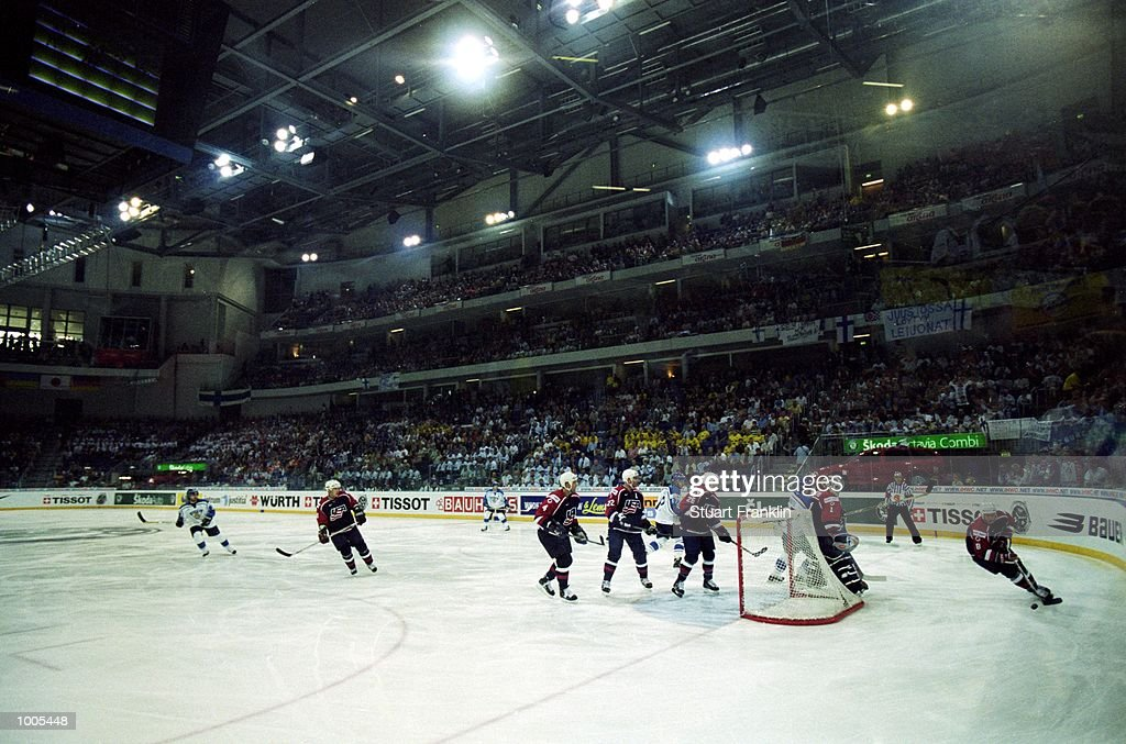 A general view of the action during the IIHF World Ice Hockey Championships match between USA and Finland played at the Preussag Arena in Hannover, Germany. \ Mandatory Credit: Stuart Franklin /Allsport