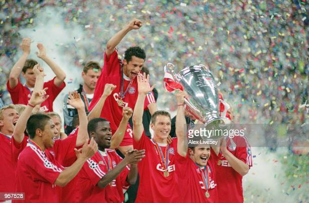 Bixente Lizarazu lifts the trophy as Bayern Munich celebrate victory in the UEFA Champions League Semifinal Second Leg between Bayern Munich and Real...