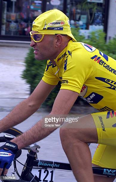 Marco Pantani in action for the Mercatone Uno stream TV team during the second stage of the Giro D''Italia Fossacesia to Lucera Allsport / GRAZIA...