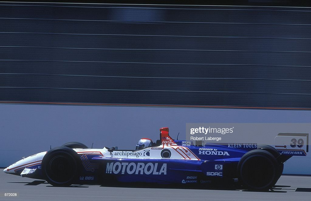 Michael Andretti of the USA who drives a Honda Reynard for Team Motorola speeds down the track during Firestone Firehawk 500, part of the CART FedEx Championship Series at the Twin Ring Motegi Raceway in Motegi, Japan.Mandatory Credit: Robert Laberge /Allsport