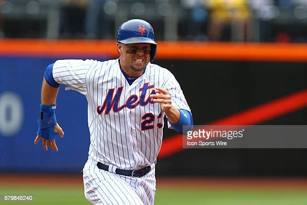 New York Mets Left field Michael Cuddyer [2799] runs out a grond ball during a MLB National League game between the St Louis Cardinals and the New...