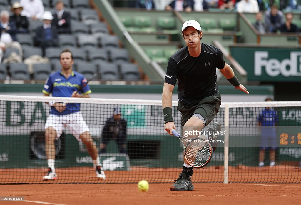 PARIS, May 24, 2016 -- Andy Murray, right, of Great Britain competes during men's singles first round match against Radek Stepanek of Czech Republic on day 3 of 2016 French Open tennis tournament at Roland Garros, in Paris, France, on May 24, 2016.